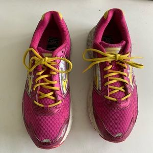Women's Brooks Adrenaline GRS 14 running size 7